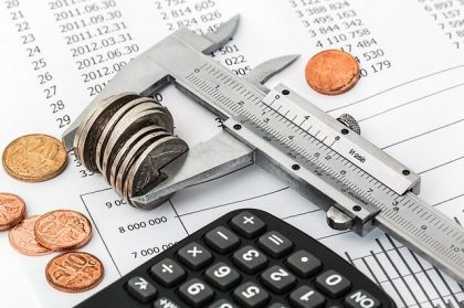 איך ניתן להתמודד עם חובות עסקיים?